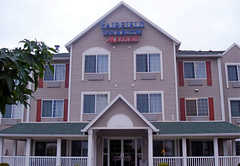 Fairfield Inn & Suites - Hotel - 4231 North Corrington Ave, Kansas City, MO, United States