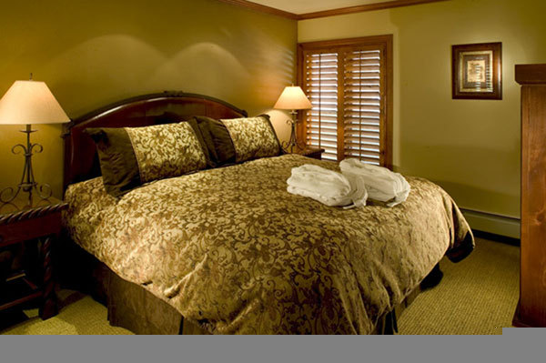 Lion Square Lodge - Hotels/Accommodations - 660 Lionshead Pl, Vail, CO, 81657