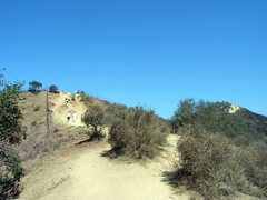 Runyon Canyon - Fuller Entrance - Runyon Canyon - 1865 N Fuller Ave, Los Angeles, CA, United States