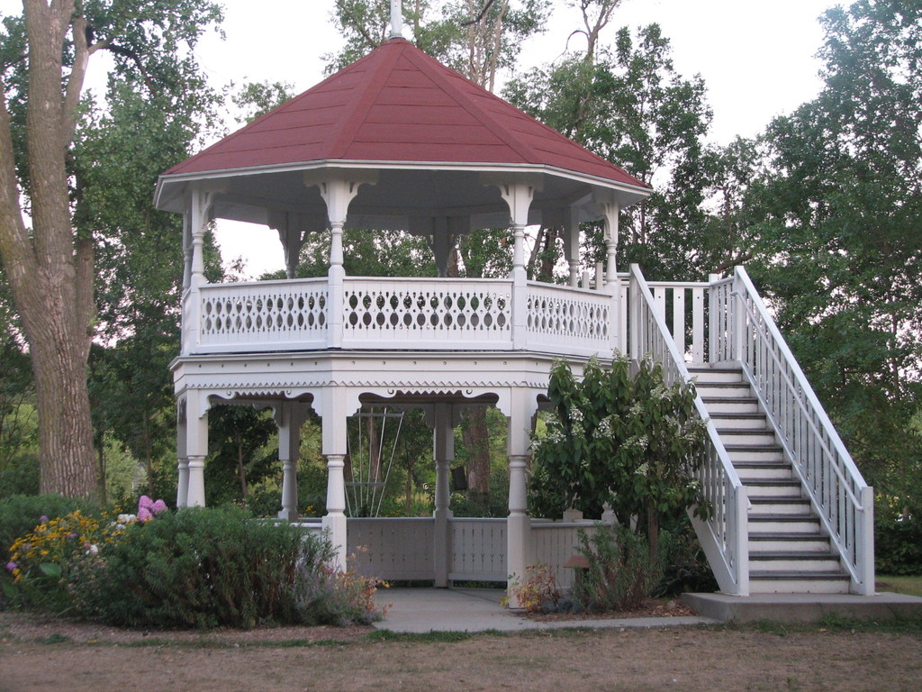 Matoska Park Gazebo - Ceremony Sites - 4810 Lake Ave, White Bear Lake, MN, 55110