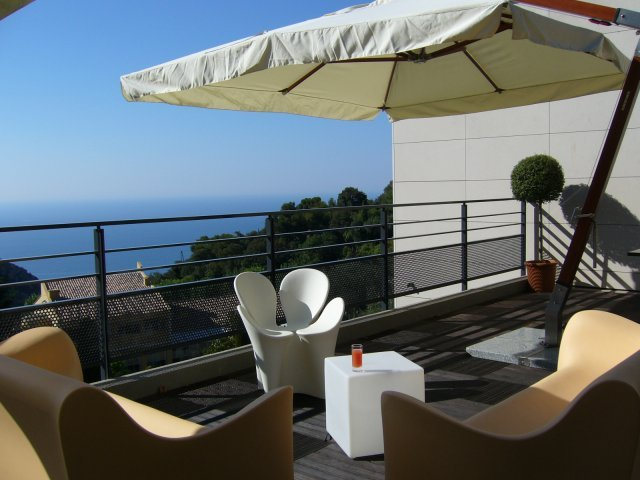 Eze Vista - Hotels/Accommodations -