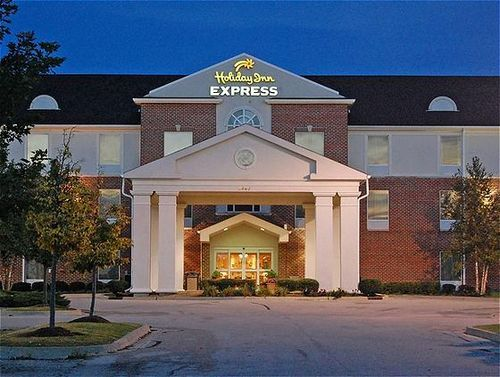 Holiday Inn Express Hotel & Suites - Hotels/Accommodations - 2595 Bunker Hill Drive, Algonquin, IL, United States