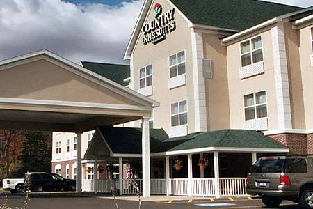Country Inn & Suites - Hotels/Accommodations - 2472 US Hwy 41 West, Marquette, MI, United States