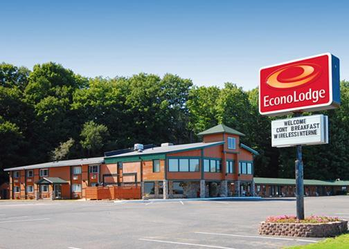 Econo Lodge Lakeside Marquette - Hotels/Accommodations - 2050 S Us 41, Marquette, MI, United States