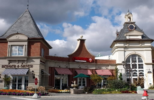 Eton Collection Shops - Shopping, Attractions/Entertainment, Restaurants - 28601 Chagrin Boulevard, Woodmere, Ohio, OH, United States
