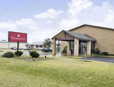 Ramada Inn, Giddings - Hotel - 4002 E. Austin Street, Giddings, TX, United States