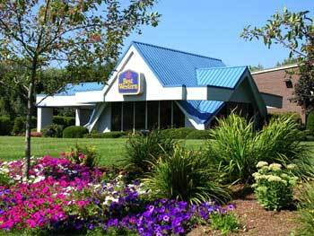 Best Western At Historic Concord - Hotels/Accommodations - 740 Elm St, Concord, MA, 01742
