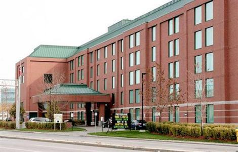 Hampton Inn - Hotels/Accommodations, Reception Sites - 100 Coventry Rd, Ottawa, ON, K1K 4S3