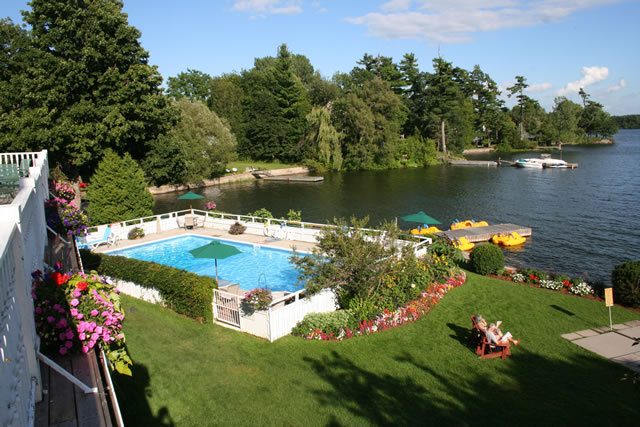 Glen House Resort - Brunch/Lunch - 409 1000 Islands Parkway, Gananoque, ON, Canada