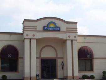 Days Inn - Hotels/Accommodations - 139 Pittsburgh Rd, Butler, PA, 16001