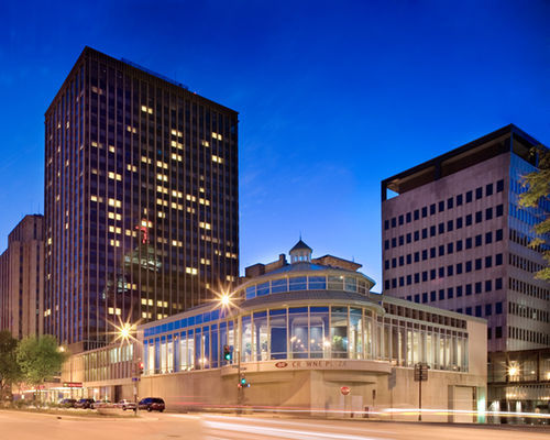 Crowne Plaza St. Paul Riverfront Hotel - Hotels/Accommodations, Reception Sites, Shopping - 11 East Kellogg Boulevard, St. Paul, MN, United States