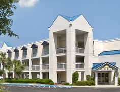 Days Inn Hilton Head - Hotels - 9 Marina Side Drive, Hwy 278, Hilton Head, SC, 29928, United States