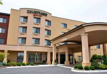 Courtyard Marriot - Hotels/Accommodations - 105 Southpark Dr, Blacksburg, VA, 24060
