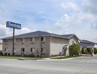 Travelodge - Hotels/Accommodations - 1311 S Locust St, Grand Island, NE, 68801