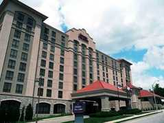 Hampton Inn Suites - Hotel - 4600 Summit St, Kansas City, MO, 64111