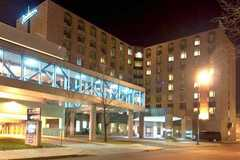 Radisson Suite Hotel - Hotel - 404 W Saint Germain St, St Cloud, MN, USA