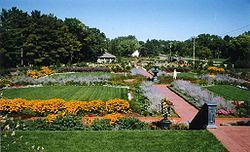 Munsinger Clemens Gardens - Attractions/Entertainment, Parks/Recreation - Munsinger Gardens, Saint Cloud, MN, 56304, United States