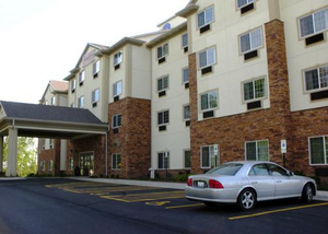 Comfort Suites - Hotels/Accommodations - 1775 E Belvidere Rd, Grayslake, IL, 60030