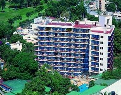 Real Bananas Acapulco - Hotels/Accommodations - Av Monterrey 195 Fracc Club Deportivo, Fraccionamiento Lomas de Costa Azul, Acapulco 39690, Mexico
