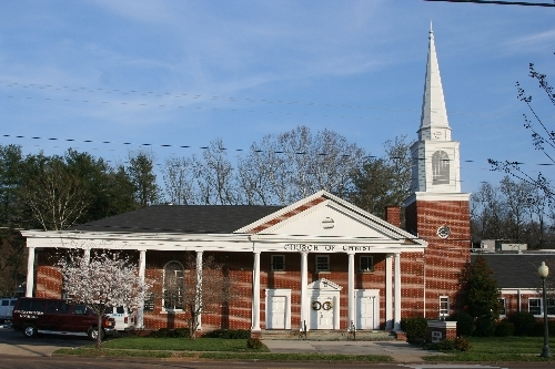 Red Bank Church Of Christ - Ceremony Sites - 3600 Dayton Blvd, Chattanooga, TN, 37415