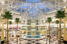 Somerset Collection - Attractions/Entertainment, Shopping - 2800 W Big Beaver Rd, Troy, MI, 48084, US
