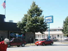 Fountain Park Motel - Hotel - 930 N 8th St, Sheboygan, WI, 53081