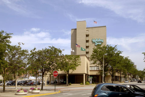 Holiday Inn - Rock Island - Reception Sites, Hotels/Accommodations, Ceremony Sites - 226 17th St., Rock Island, IL, United States
