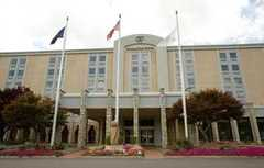 Doubletree Hotel Pittsburgh Airport - Hotel - 8402 University Blvd, Moon Twp, PA, 15108-4203