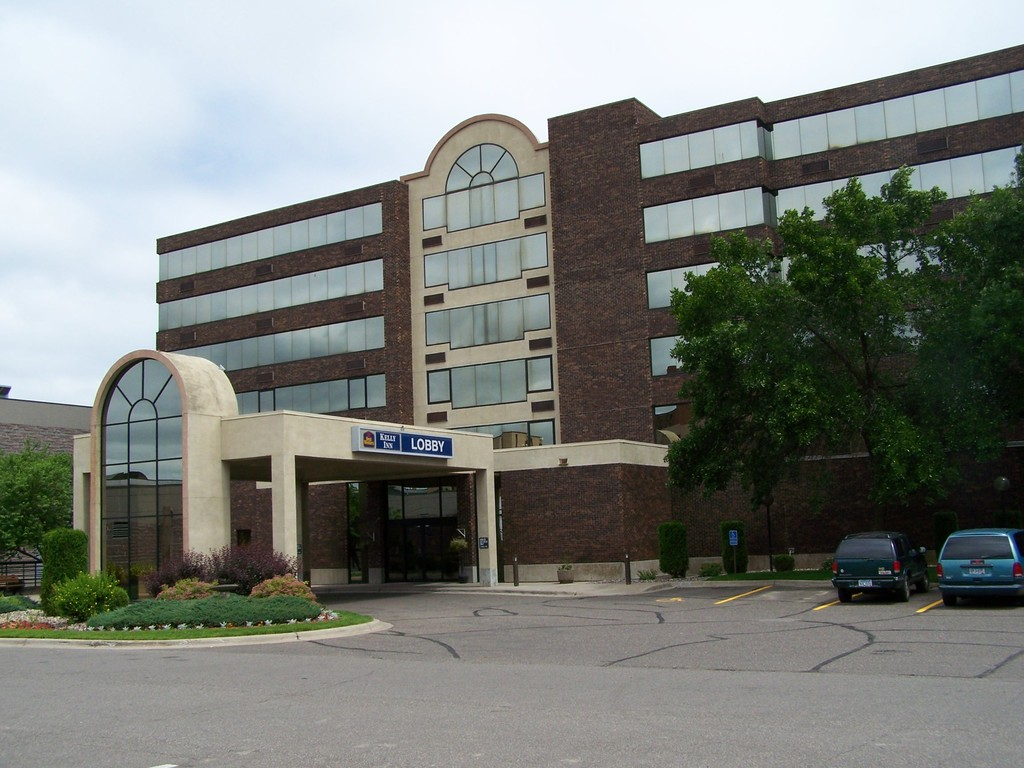 Best Western Kelly Inn - Reception Sites, Hotels/Accommodations - 100 4th Ave S, St Cloud, MN, 56303
