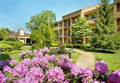 Courtyard by Marriott: Red Bank - Hotel - 245 Half Mile Rd, Red Bank, NJ, USA