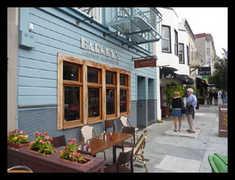 Barney's Gourmet Hamburger - Restaurant(s) - 3344 Steiner St, San Francisco, CA, United States