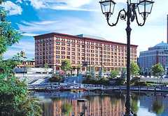 Courtyard Providence Downtown - Hotel - 32 Exchange Terrace at Memorial Blvd, Providence, RI, United States