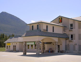 Super 8 Invermere - Hotels/Accommodations - 8888 Arrow Road, Invermere, BC, Canada