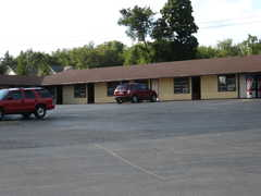 Towne Edge Motel - Hotel - 1104 N Main St, Edgerton, WI, 53534