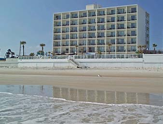 Days Inn Daytona Oceanfront - Hotels/Accommodations - 3357 S Atlantic Ave, Daytona Beach, FL, 32118