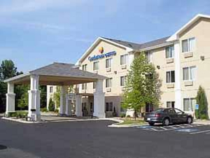 Lamplighter Inn & Suites - Hotels/Accommodations - 4020 Parkview Drive, Pittsburg, KS, United States