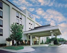 Hampton Inn - Hotels/Accommodations - 1600 Veterans Hwy, Islandia, NY, 11749
