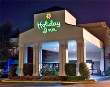 Holiday Inn Hotel Ronkonkoma - Hotels/Accommodations - 3845 Veterans Memorial Highway, Ronkonkoma, NY, United States
