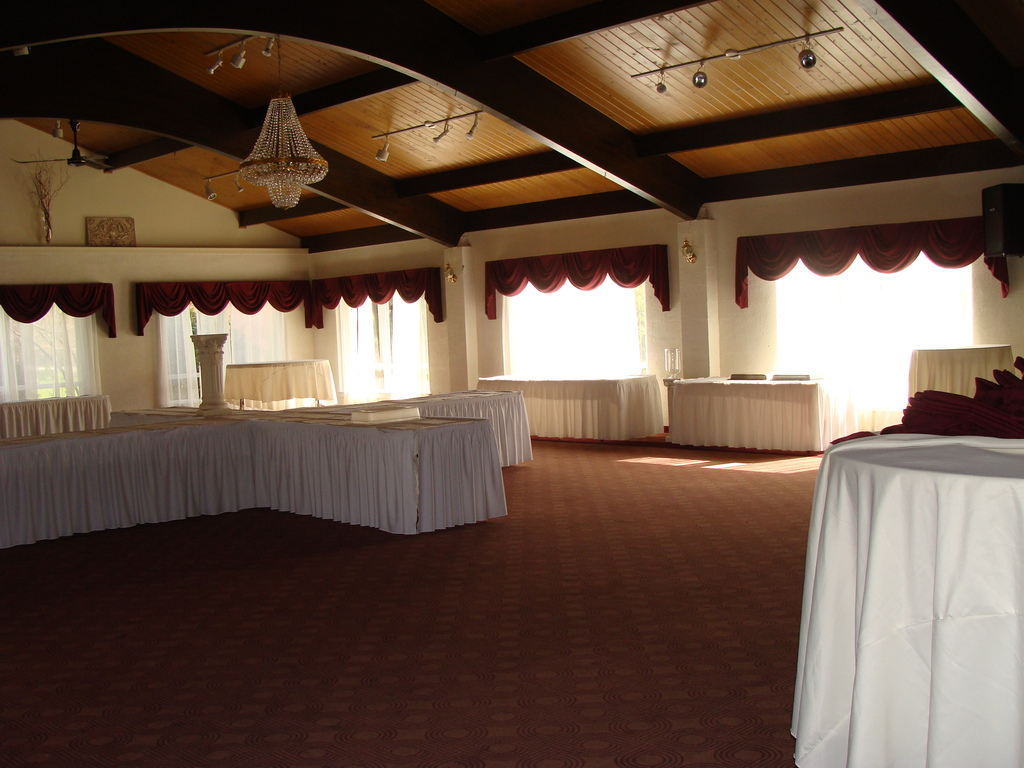 Little River Country Club - Reception Sites - N2235 Shore Dr, Marinette, WI, United States