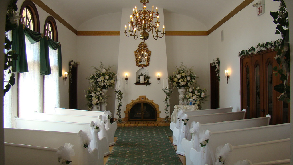 Victoria Wedding Chapel - Ceremony Sites - 2776 Dixie Hwy, Waterford, MI, 48328