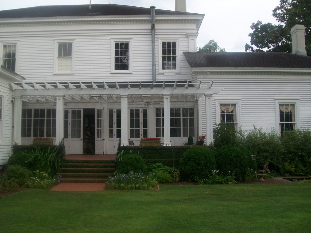 Bailey Teabault House - Ceremony Sites - 655 Meriwether St, Griffin, GA, 30224