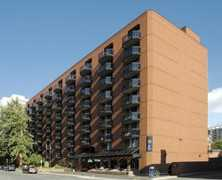 Cartier Place Suite Hotel - Hotels - 180 Cooper St, Ottawa, ON