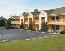 La Quinta Inn - Hotel - 3920 W College Ave, Appleton, WI, 54914