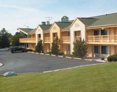 La Quinta Inn - Hotel - 3920 W College Ave, Appleton, WI, 54914