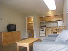 Grouse Creek Motel - Hotel - 9414 King George Hwy, Surrey, BC, V3V