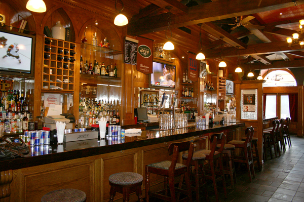 James Joyce Irish Pub & Restaurant - Bars/Nightife - 166 Mamaroneck Ave, White Plains, NY, 10601
