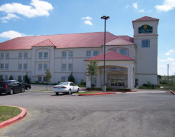 La Quinta Inn &amp; Suites Boerne - Hotels/Accommodations - 36756 Interstate 10, Boerne, TX, United States