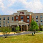 Hampton Inn &amp; Suites - Hotels/Accommodations - 21660 W. Lake Cook Rd., Deer Park, IL