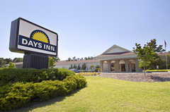 Days Inn of Southern Pines - Hotel - 805 SW Service Rd. , Southern Pines, NC