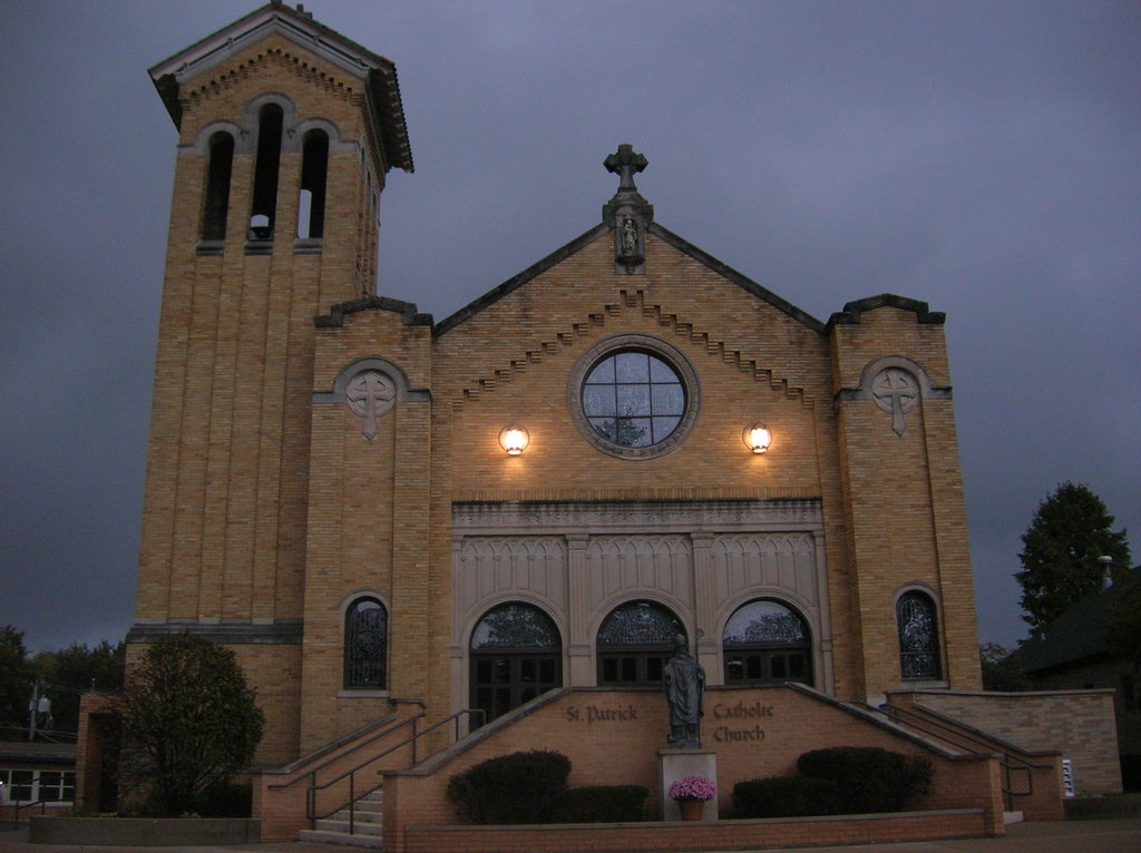Saint Patrick Catholic Church - Ceremony Sites - 3500 Washington St, McHenry, IL, 60050